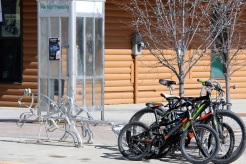 Un endroit original pour attacher son vélo ! ©Kelly Tabuteau