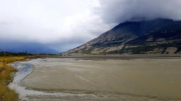 Les nuages de pluie nous suivent. ©Kelly Tabuteau