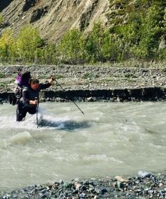 La traversée du ruisseau Bullion. ©Chris M.