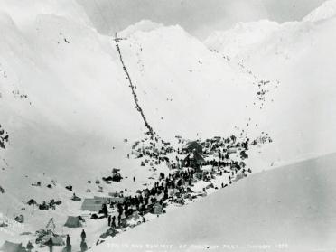 La piste Chilkoot, avec le franchissement du col.